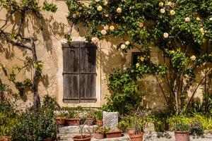 France, Provence, Vaucluse, Opp?de-Le-Vieux, Architecture Detail by Udo Siebig