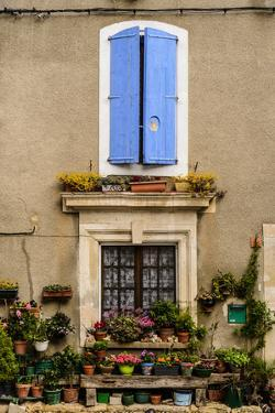 France, Provence, Vaucluse, Saint-Saturnin-L?s-Apt, Architecture Detail by Udo Siebig