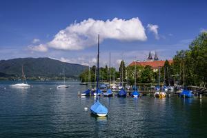 Germany, Bavaria, Upper Bavaria, Mangfall Mountains, Health Resort Tegernsee by Udo Siebig