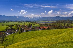 Germany, Bavaria, Upper Bavaria, Pfaffenwinkel, Aidling by Udo Siebig