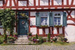 Germany, Hessen, Frankfurt on the Main, District Hšchst, Hšchst Castle Square, Half-Timbered House by Udo Siebig