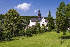Germany, Hessen, Rheingau, Eltville at River Rhine, Abbey Eberbach, Abbey Gardens with Basilica by Udo Siebig