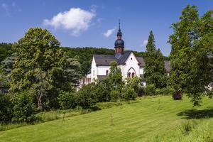 Germany, Hessen, Rheingau, Eltville at River Rhine, Abbey Eberbach, Abbey Gardens with Basilica by Udo Siebig