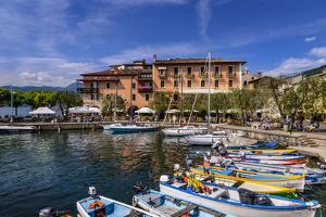 Italy, Veneto, Lake Garda, Torri Del Benaco, Harbour, Albergo Gardesana by Udo Siebig