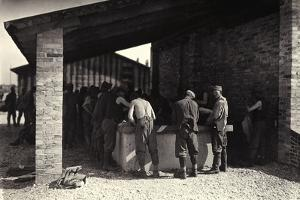 Austrian Prisoners in Bagnaria Arsa Seen in the Wash-House by Ugo Ojetti