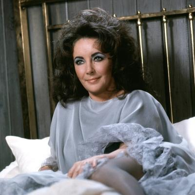 https://imgc.allpostersimages.com/img/posters/under-milk-wood-by-andrew-sinclair-with-elizabeth-taylor-1972-photo_u-L-Q1C2D3S0.jpg?artPerspective=n
