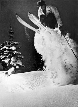 Skiers by Underwood