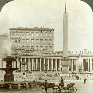 The Vatican Palace from St Peter's Square, Rome, Italy by Underwood & Underwood