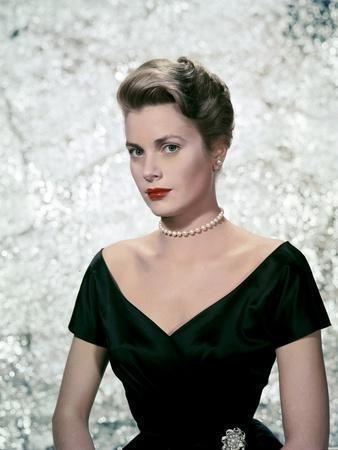 https://imgc.allpostersimages.com/img/posters/une-fille-by-province-the-country-girl-by-george-seaton-with-grace-kelly-1954-photo_u-L-Q1C21TM0.jpg?artPerspective=n
