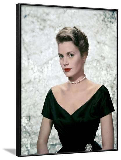 Une Fille by Province THE COUNTRY GIRL by George Seaton with Grace Kelly, 1954 (photo)--Framed Photo