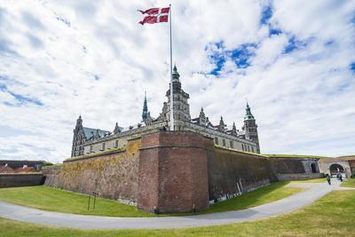 https://imgc.allpostersimages.com/img/posters/unesco-world-heritage-site-kronborg-renaissance-castle-helsingor-denmark_u-L-Q13B9U50.jpg?p=0