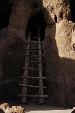 United States. Bandelier National Monument, Anasazi Culture, Cave
