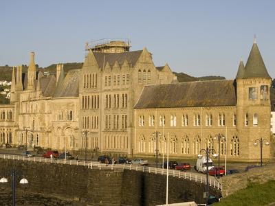 https://imgc.allpostersimages.com/img/posters/university-aberystwyth-dyfed-wales-uk_u-L-PFNO1G0.jpg?p=0