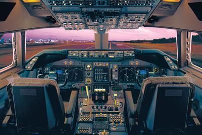 Boeing 747-400 Flight Deck by Unknown