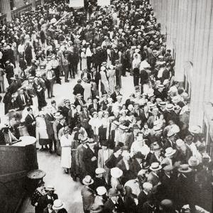 Depositors of the Union Trust Company, Cleveland, Ohio, USA, Great Depression, July 1933 by Unknown