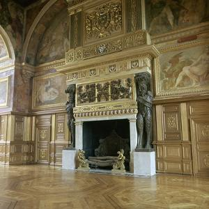 The ballroom at Fontainebleau, 16th century by Unknown