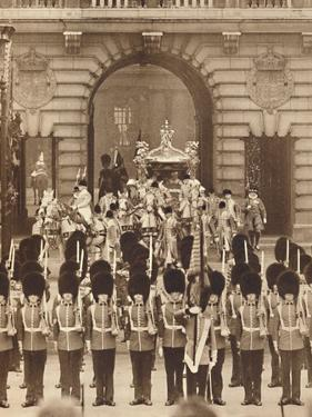 'The King and Queen Leave the Palace for their Coronation', 1937 by Unknown
