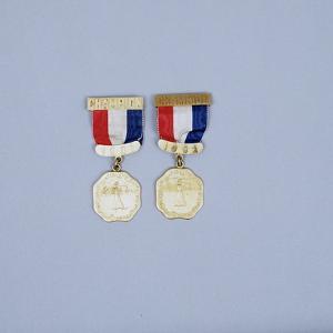 Women's USGA Championship winner's medals, 1901-2 by Unknown