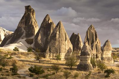 https://imgc.allpostersimages.com/img/posters/unusual-rock-formations-in-the-rose-valley-cappadocia-anatolia-turkey-asia-minor-eurasia_u-L-PWFIHB0.jpg?p=0