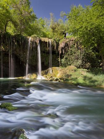 https://imgc.allpostersimages.com/img/posters/upper-d-denfall-waterfall-antalya-turkey_u-L-Q11YPLG0.jpg?artPerspective=n
