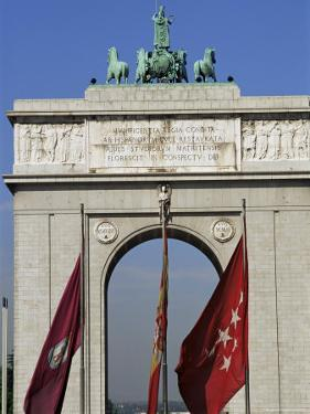 Triumphal Arch, Moncloa, Madrid, Spain by Upperhall