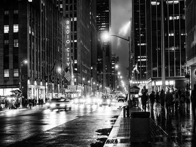 https://imgc.allpostersimages.com/img/posters/urban-street-view-on-avenue-of-the-americas-by-night_u-L-Q1I5EKR0.jpg?artPerspective=n