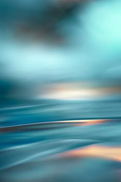The Beach 4 by Ursula Abresch