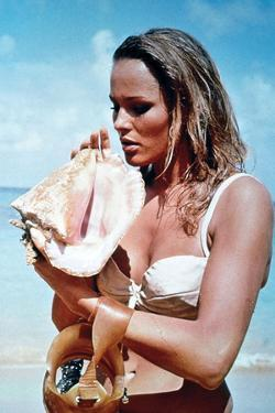 """Ursula Andress. """"007, James Bond: Dr. No"""" [1962] (Dr. No), Directed by Terence Young."""
