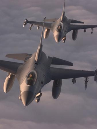 US Air Force F-16C Fighting Falcons Fly in Formation over Yugoslavia, April 1999