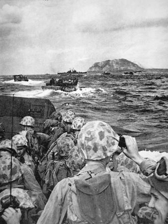 https://imgc.allpostersimages.com/img/posters/us-marines-in-a-landing-craft-steam-towards-the-japanese-held-island-of-iwo-jima-february-1945_u-L-PQ31VJ0.jpg?p=0