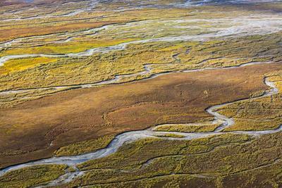 https://imgc.allpostersimages.com/img/posters/usa-alaska-brooks-range-arctic-nwr-aerial-of-braided-river-and-tundra_u-L-Q1CZWYV0.jpg?p=0