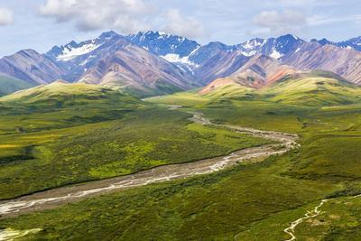 https://imgc.allpostersimages.com/img/posters/usa-alaska-denali-national-park-mountain-landscape-with-polychrome-pass_u-L-Q1D0IG20.jpg?p=0