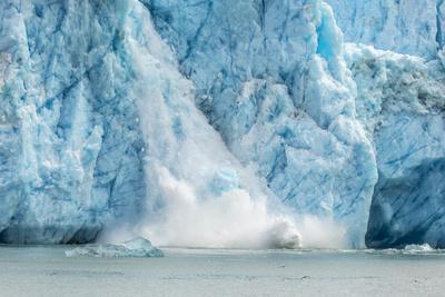 https://imgc.allpostersimages.com/img/posters/usa-alaska-endicott-arm-of-dawes-glacier-calving_u-L-Q1D0FO70.jpg?p=0