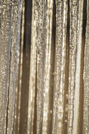 https://imgc.allpostersimages.com/img/posters/usa-alaska-fairbanks-sun-reflects-on-icicles_u-L-Q1D04UO0.jpg?p=0
