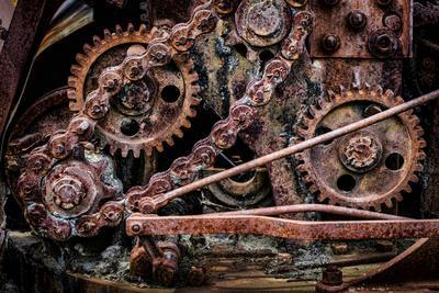 https://imgc.allpostersimages.com/img/posters/usa-alaska-gears-and-chains_u-L-Q1D00340.jpg?p=0
