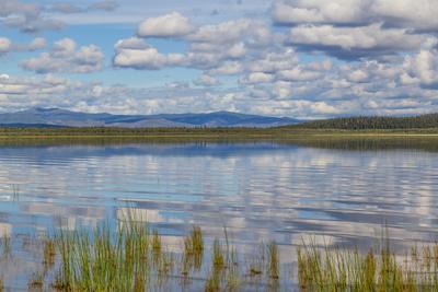 https://imgc.allpostersimages.com/img/posters/usa-alaska-landscape-with-quartz-lake_u-L-Q1D04M40.jpg?p=0