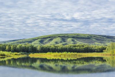 https://imgc.allpostersimages.com/img/posters/usa-alaska-olnes-pond-landscape-with-pond-reflection_u-L-Q1CZRUX0.jpg?p=0