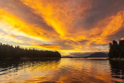 https://imgc.allpostersimages.com/img/posters/usa-alaska-tongass-national-forest-sunset-landscape_u-L-Q1D0CW50.jpg?p=0