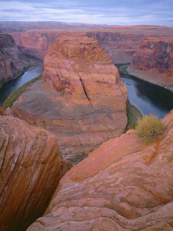 https://imgc.allpostersimages.com/img/posters/usa-arizona-glen-canyon-national-recreation-area-horseshoe-bend-on-the-colorado-river_u-L-Q12TAKC0.jpg?p=0