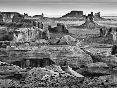 https://imgc.allpostersimages.com/img/posters/usa-arizona-monument-valley-view-from-hunt-s-mesa-at-dawn_u-L-Q12TBYC0.jpg?p=0