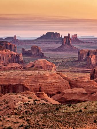 https://imgc.allpostersimages.com/img/posters/usa-arizona-monument-valley-view-from-hunt-s-mesa-at-dawn_u-L-Q12TBZT0.jpg?p=0