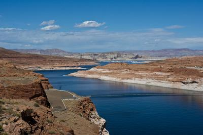 https://imgc.allpostersimages.com/img/posters/usa-arizona-page-lake-powell-vistas-from-wahweap-overlook_u-L-Q1CZSMD0.jpg?p=0