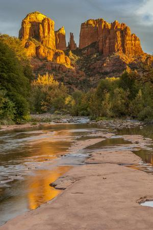 https://imgc.allpostersimages.com/img/posters/usa-arizona-sedona-cathedral-rock_u-L-Q1D04970.jpg?p=0