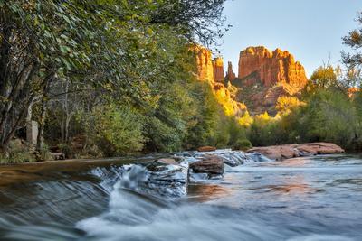 https://imgc.allpostersimages.com/img/posters/usa-arizona-sedona-red-rock-crossing-flowing-river-scenic_u-L-Q1D07730.jpg?artPerspective=n