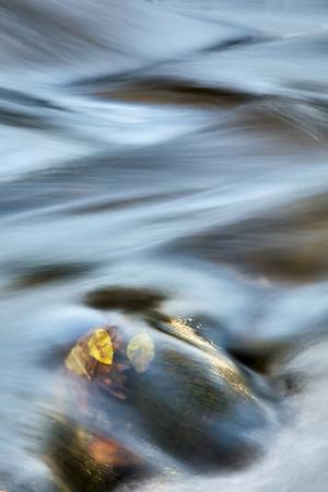 https://imgc.allpostersimages.com/img/posters/usa-arizona-sedona-red-rock-crossing-river-swirling_u-L-Q1D04YR0.jpg?artPerspective=n