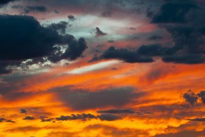 https://imgc.allpostersimages.com/img/posters/usa-arizona-sunset-over-page_u-L-Q1CZUA90.jpg?p=0