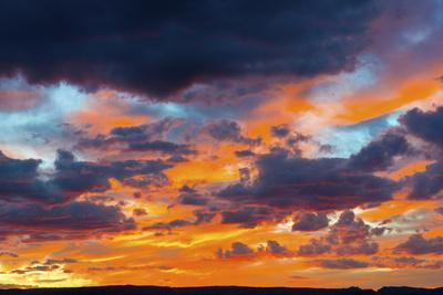 https://imgc.allpostersimages.com/img/posters/usa-arizona-sunset-over-page_u-L-Q1CZY3P0.jpg?p=0