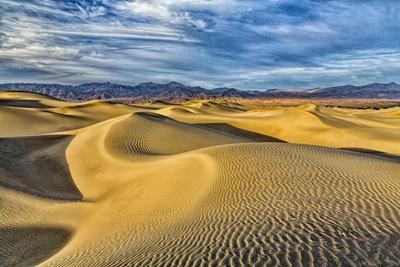 https://imgc.allpostersimages.com/img/posters/usa-bishop-california-death-valley-national-park-sand-dunes_u-L-Q1D06IQ0.jpg?artPerspective=n