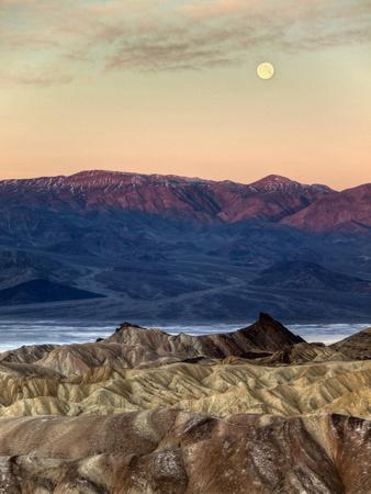 https://imgc.allpostersimages.com/img/posters/usa-california-death-valley-national-park-moonset-at-sunrise-from-zabriskie-point_u-L-Q12T76Y0.jpg?p=0