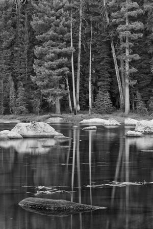 https://imgc.allpostersimages.com/img/posters/usa-california-high-sierra-lake_u-L-PYPDEC0.jpg?p=0